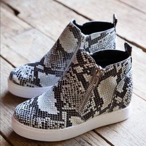 Shoes - Animal prints snake wedge fashion shoes